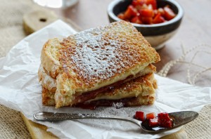 Strawberry Grilled Cheese with Strawberry Balsamic Relish